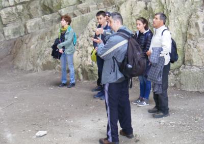 A Szelim-barlangban a terület geológiájával ismerkedtünk